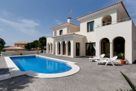 Houses & Villas for sale in Spain
